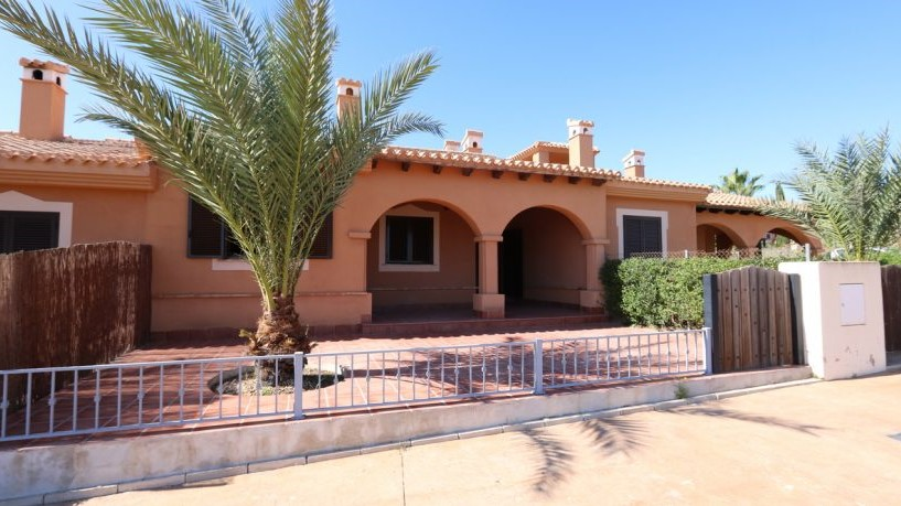 FA - bungalow with pool near the golfcourt